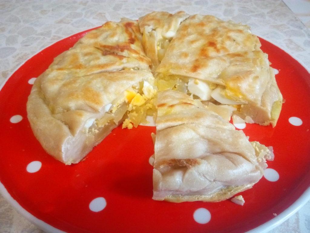 Пирог с картофелем и яйцом