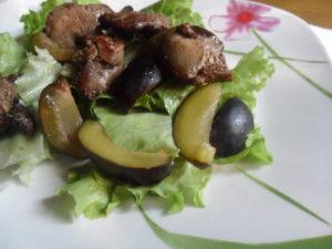 Теплый салат с куриной печенью рецепт