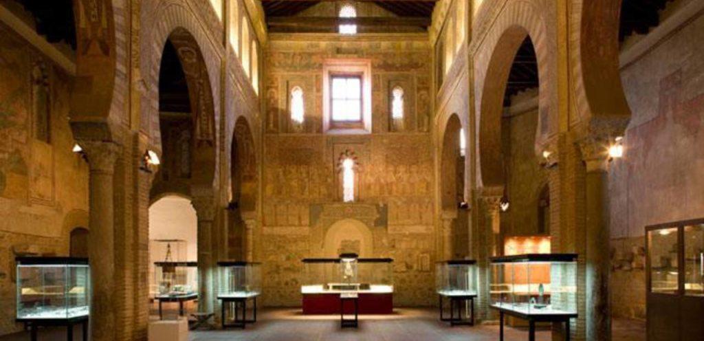 Церковь Сан-Роман внутреннее убранство