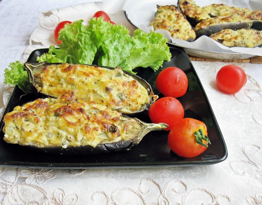 Запечённые баклажаны с творогом и сыром рецепт