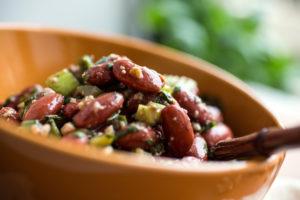 Салат с грецкими орехами и фасолью рецепт