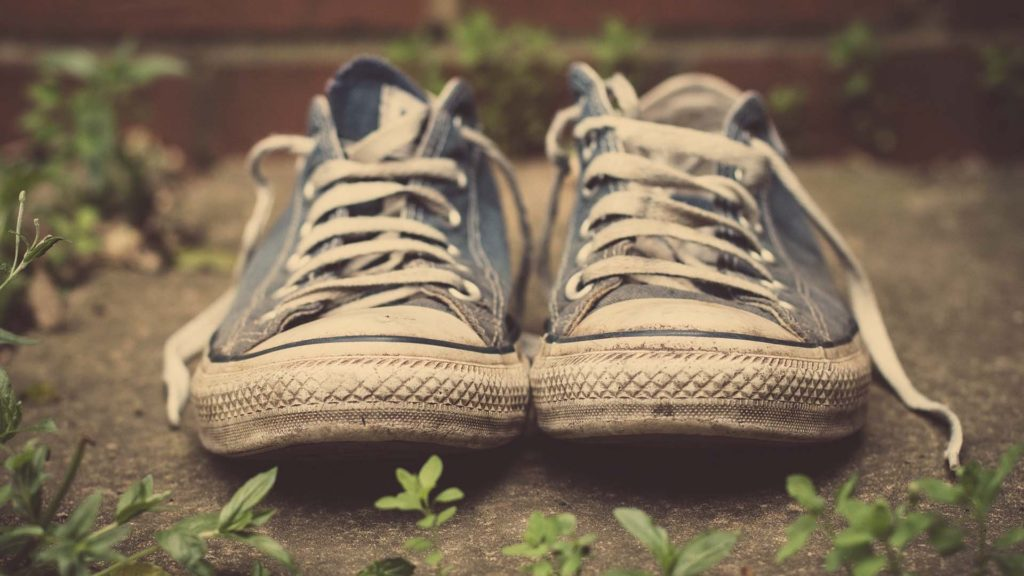 избавиться от неприятного запаха ног